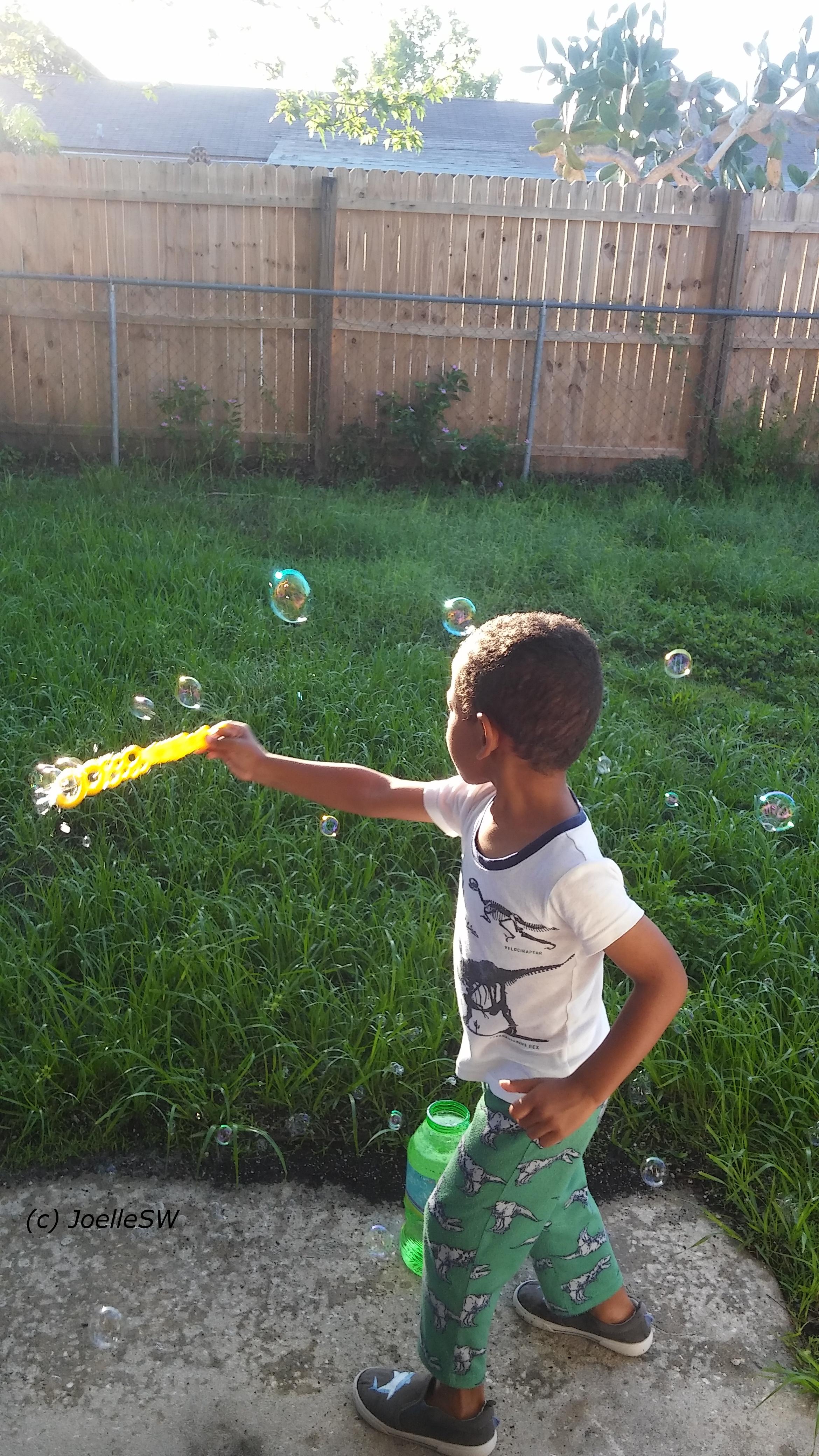 Big Foot Bubbles